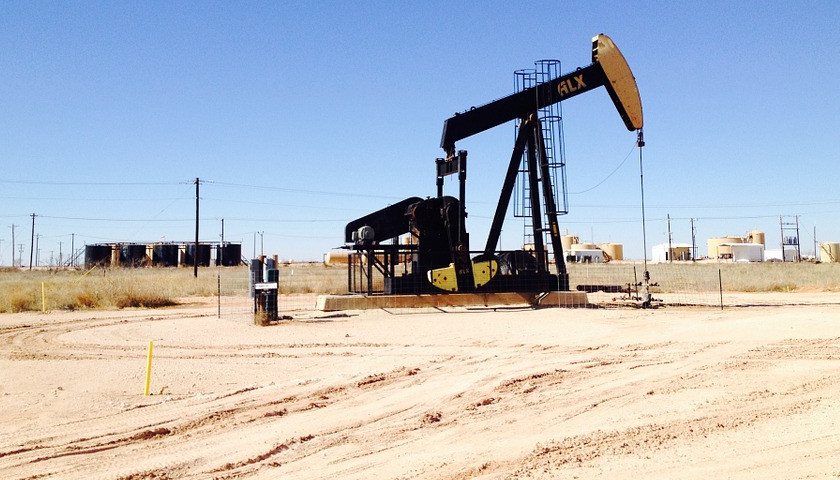 Labor Shortage Slows Oil Production in Major Fracking State