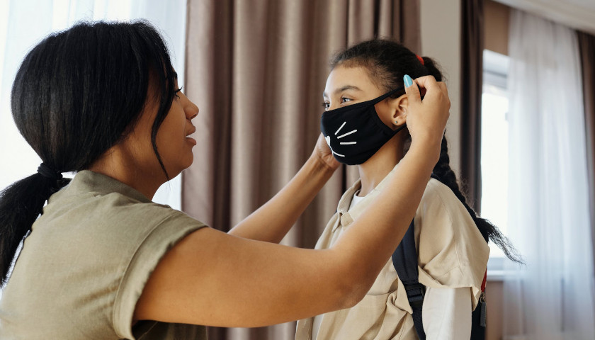 Pro-Mask Pediatrics Group Denies Scrubbing Resources on Importance of Faces in Child Development