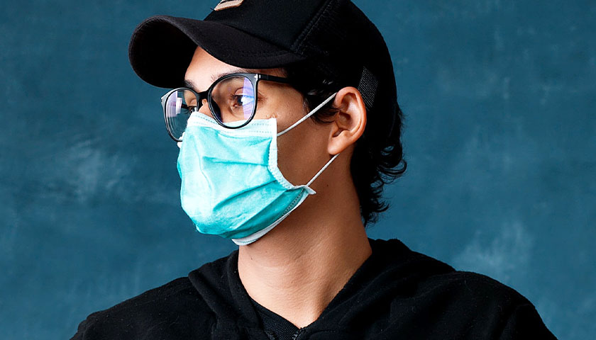 Critics Denounce New CDC Guidance Urging Mask Usage, Vaccine or Not