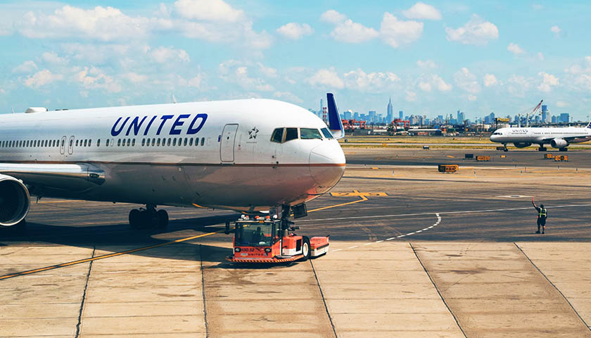 United Airlines to Become First Major Airline Requiring Staff be Vaccinated