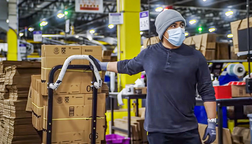 Amazon to Pay Employees' Full College Tuition in Latest Attempt to Attract More Workers