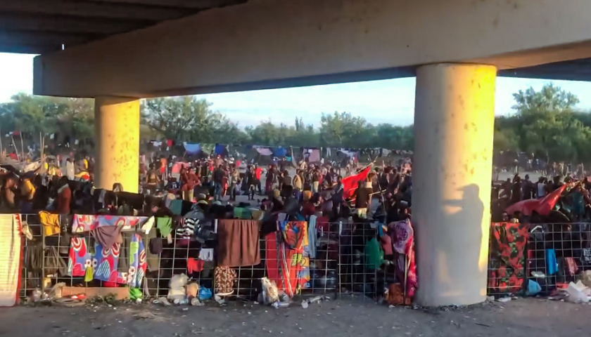 Over 10,000 Illegal Aliens Staying Under Bridge in Texas, Waiting for Authorities to Pick Them Up